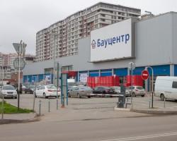 Монтаж автоматического паркинга супермаркета «Бауцентр»